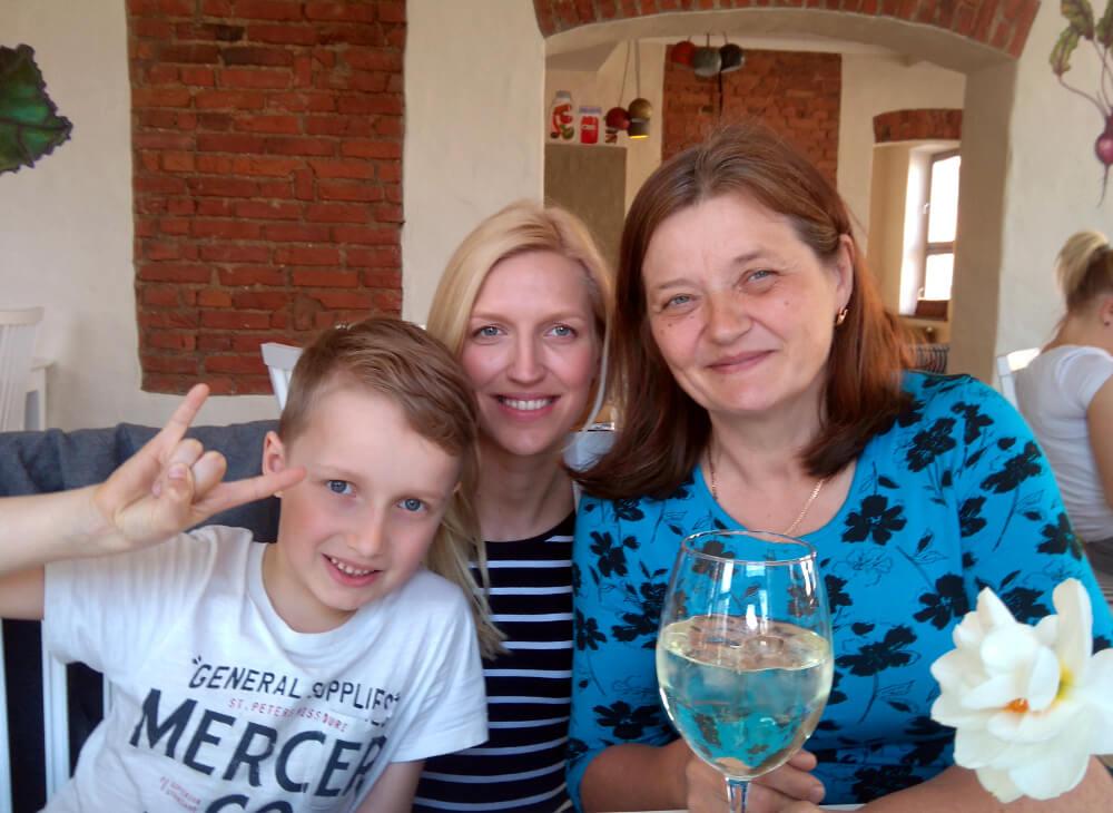 Emadepäeva hommik kohvikus Jääkuum