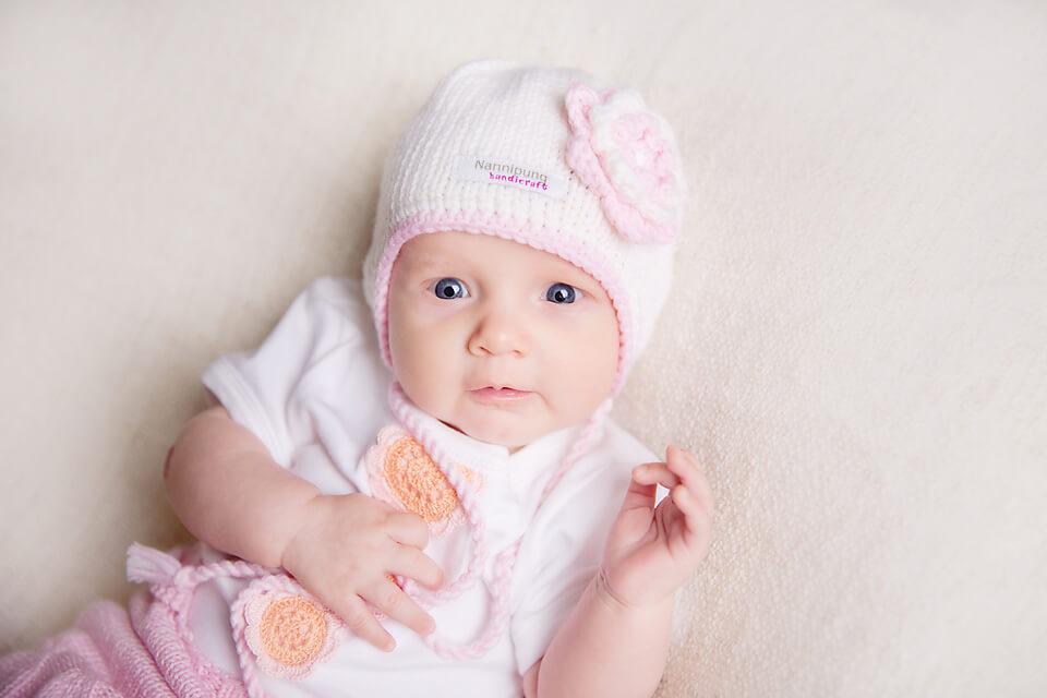 kevad-sugis-beebimuts-valge-roosaga-nannipung